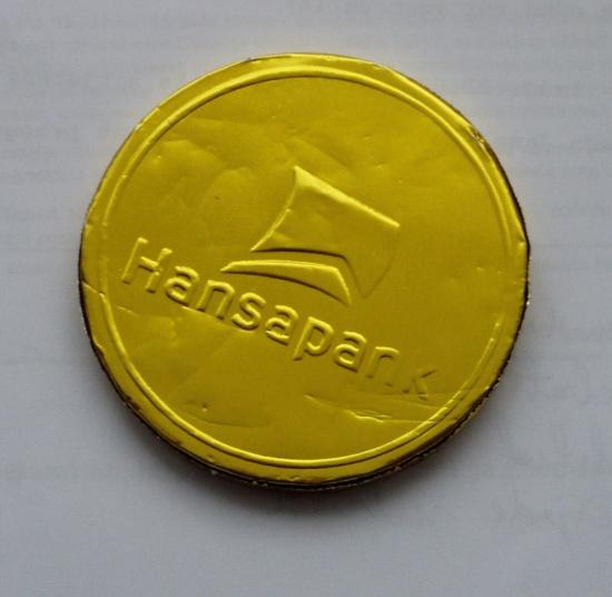 Hansapank šokolaadist medaljoni esikülg. Foto Virgo Kruve