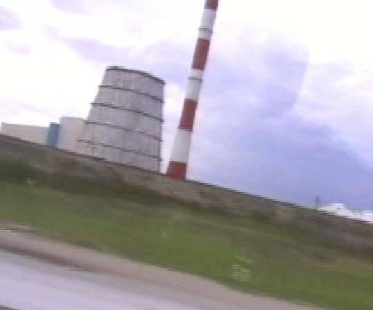 Tallinna lähedane Iru elektrijaam on viltu nagu majanduse langustrend. Foto Virgo Kruve 10. mai 2009