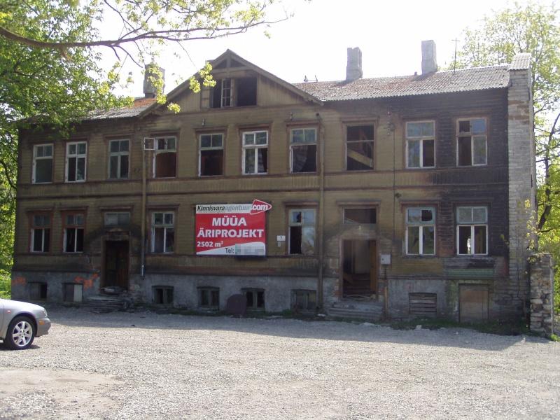 Lagastatud maja Tallinnas kesklinnas Paldiski maantee ääres. Foto Virgo Kruve 15.05.2009
