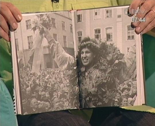 Olümpiavõitja raamat, Eerika Salumäe vastuvõtt Raekoja platsil.