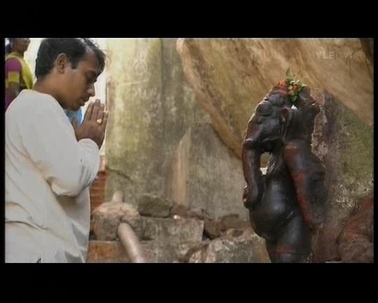 india tempel ja jumal kelle jaoks juuksed ohverdatakse fallos nina otsas