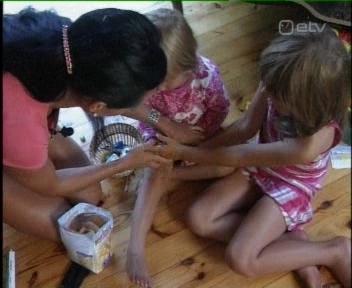 laste käekeste masseerimine