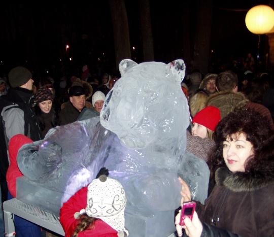 Tiigri skulptuur hiina uue aasta tähistamisel 24. jaanuar 2009 Kadrioru pargis. Foto Virgo Kruve