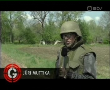 Metsareporter Muttika, Jüri Muttika, osales Kevadtormi õppusel mikrofoniga käes. Kaader 26. mai 2010 ETV Ringvaade
