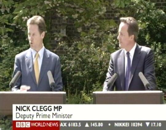 kloonitud poliitikud nick clegg