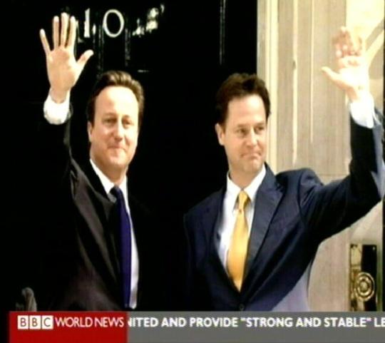 David Cameron ja Nick Clegg on justkui üksteise poliilised kloonid. kaader bbc