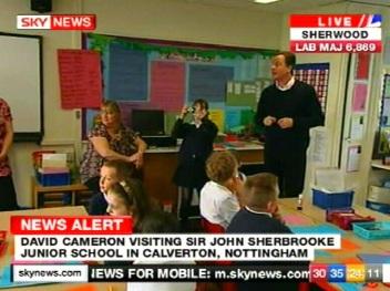 David Cameron parempoolne populist ja konservatiiv. foto 5. mai 2010 SkyNews kanalilt