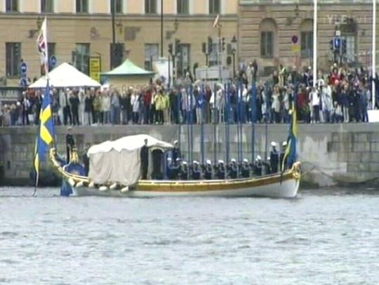 YLE 1 kaader Stockholmis toimuvatest ettevalmistustest printsess Victoria pulmadeks.