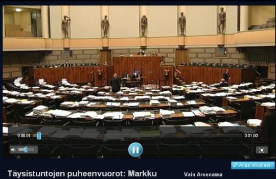 Soome Eduskunta istungite tühi saal. kaader areena.yle.fi