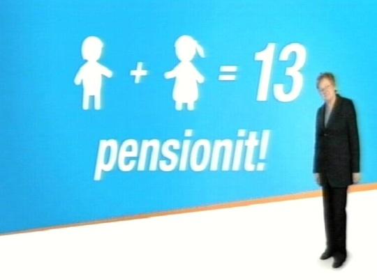 Ene Ergma emapensioni reklaamis, kujuteldavate lastega graafiku taustal.