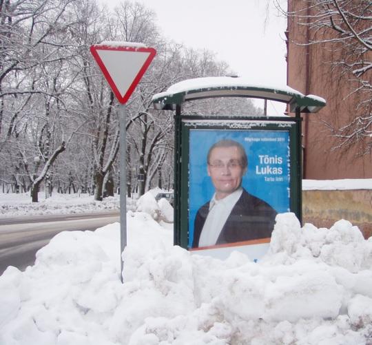 Tõnis Lukas on lumest lubadustega haridusminister. Talvel enne valimisi kirjutas alla palgatõusu kokkuleppele, koos lume sulamisega kadus ka lubaduselt rahaline kate. Foto Virgo Kruve, Tartu